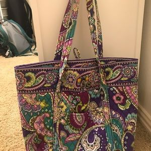 Purple Vera Bradley bag. In good condition.